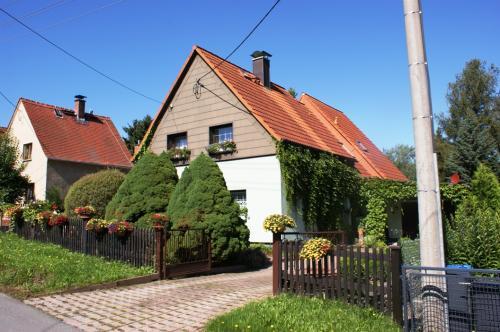 2010 bild 02 Doppelhaus Plauen Reusa